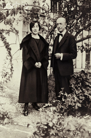 01 Jan 1930, Spain --- Original caption: Manuel de Falla with Wanda Landowska in his garden in Granada. Photo, 1930. --- Image by © AS400 DB/Corbis